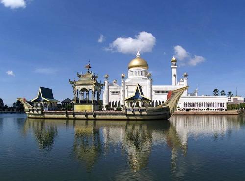 عکس بندر سری بگاوان در برونئی
