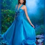 دانلود طرح و قالب عکس خانم ها با لباس آبی زیبا Women's Photoshop templates – A beautiful blue dress