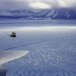 عکس کشتی در یخ های قطبی
