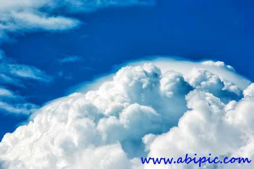 در این پست یک طرح لایه باز فتوشاپ از منظره ابری برای دانلود قرار داده شده است. این طرح شامل 7 حالت مختلف هوای ابری است و در سایز 3000*2000 پیکسل می باشد.فایل txt راهنمای این طرح نیز به همراه مجموعه قرار داده شده است.