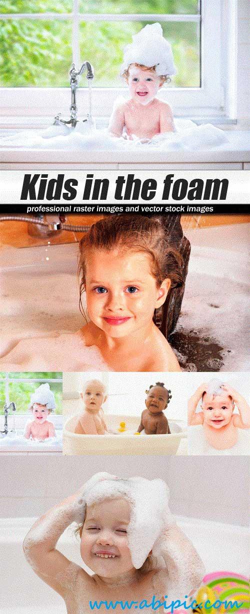 دانلود تصاویر استوک بازی کودکان در کف Stock Photo Kids in the foam